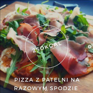 Pizza z rukolą z patelni
