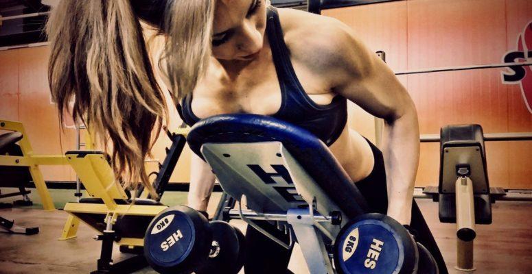 Zalety ćwiczenia zobciążeniem – 6 powodów dla którychwarto ćwiczyć zciężarami